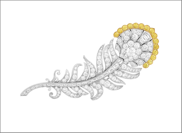 Clip Plumage d'or, oro bianco, diamanti bianchi e yellow