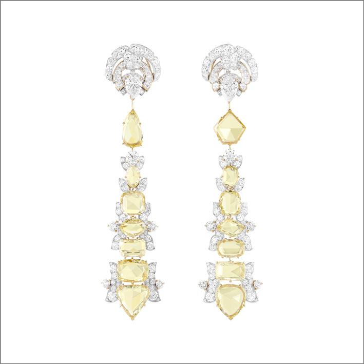 Orecchini Victoire. 14 diamanti gialli taglio a rosa per un totale di 18,18 carati, diamanti. Con pendenti amovibili