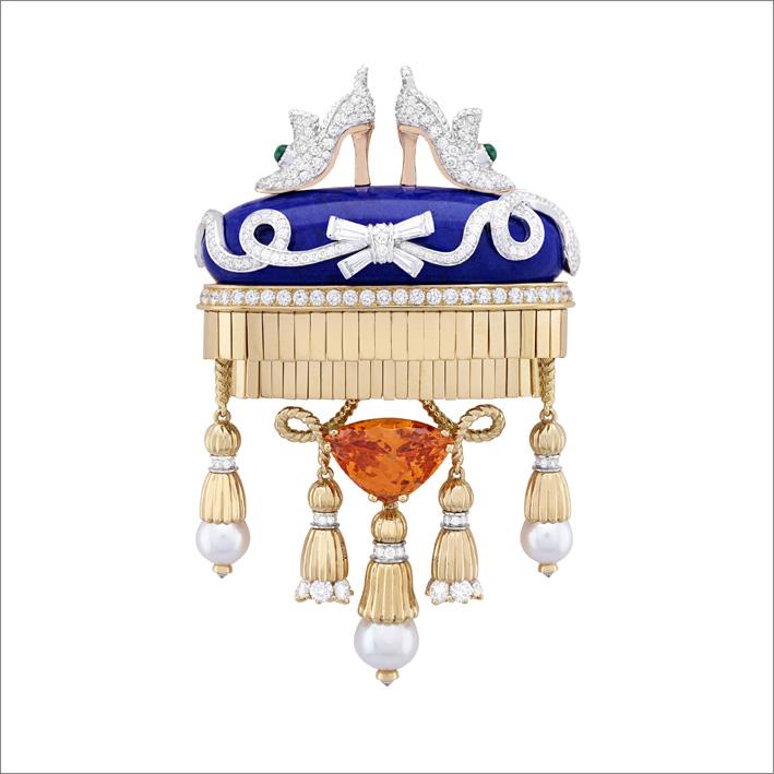 Clip Souliers précieux Granato varietà spessartite taglio troidia di 6,91 carati, smeraldi, lapislazzuli, perle di coltura bianche, diamanti