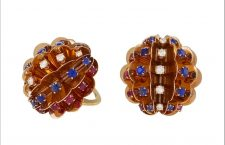 Orecchini american Retro in oro, diamanti, zaffiri, rubini