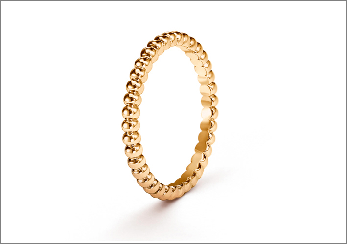 Van Cleef & Arpels, anelli della collezione Perlée