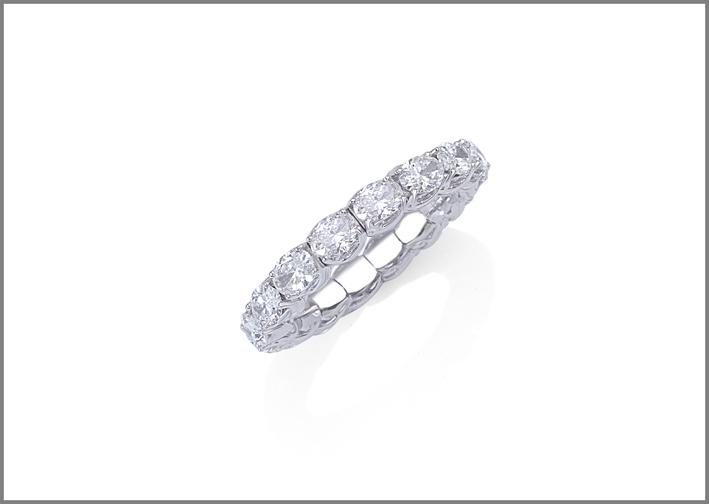 Picchiotti, anello della linea Xpandable, oro bianco e diamanti