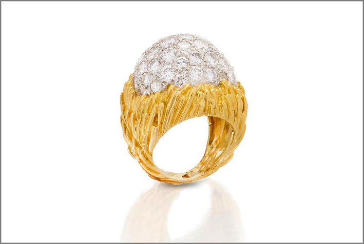 Anello in oro, platino e diamanti di David Webb
