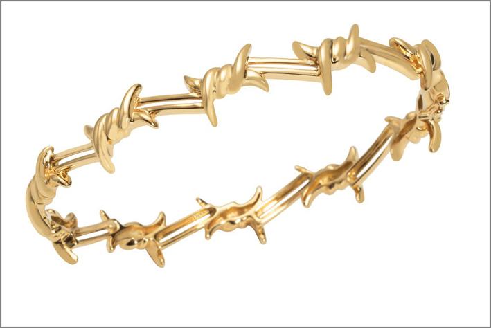 Bracciale in oro a forma di filo spinato di Djula Jewelry