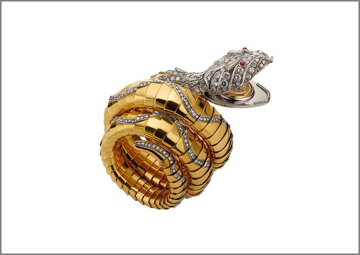 Bulgari, bracciale orologio Serpenti in oro, platino, rubini e diamanti