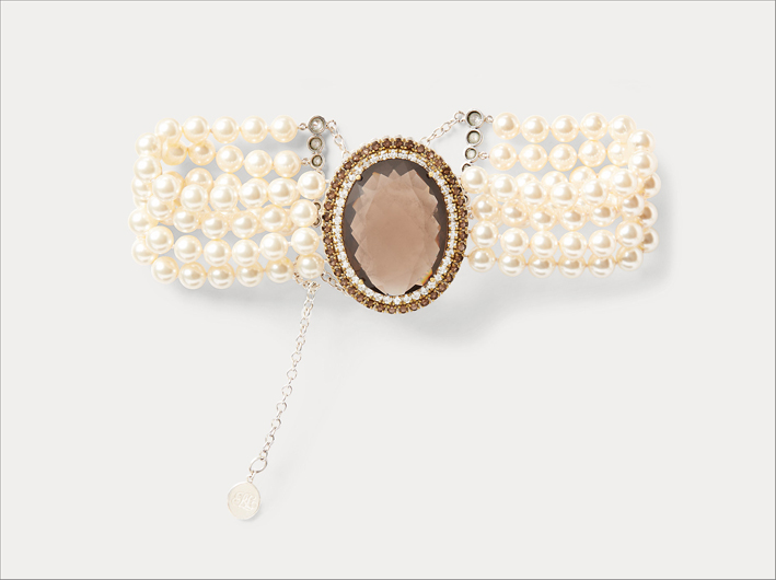 Collana con perle e cristalli