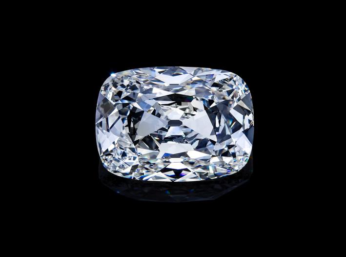 Diamante taglio cuscino di Jack Reiss. Il diamante è l'elemento più duro in natura