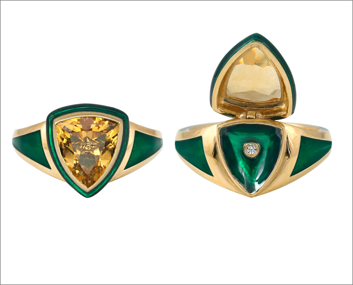 Anello in oro, smalto verde e citrino