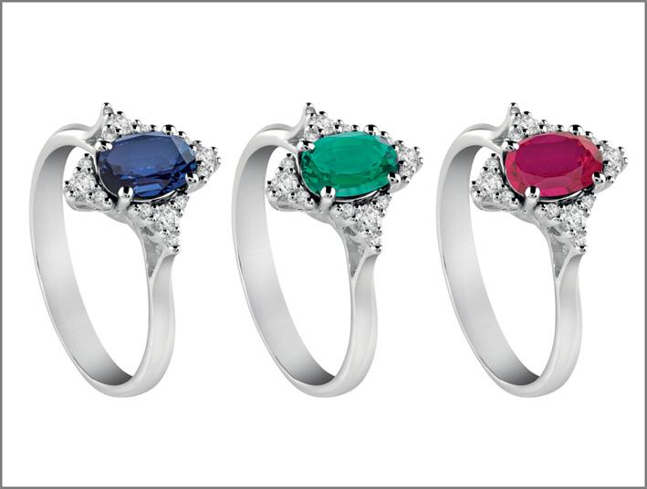 Anelli con zaffiro, smeraldo e rubino