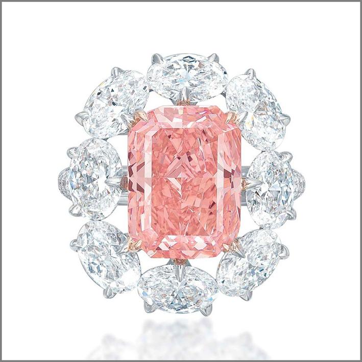 Anello con diamante rosa venduto nel 2015 da Christie's a Ginevra