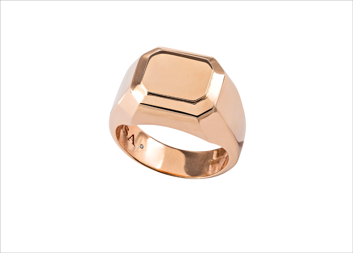 Anello chevalier in oro rosa