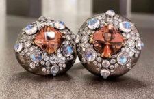 Orecchini con tormalina rosa, diamanti e pietra luna