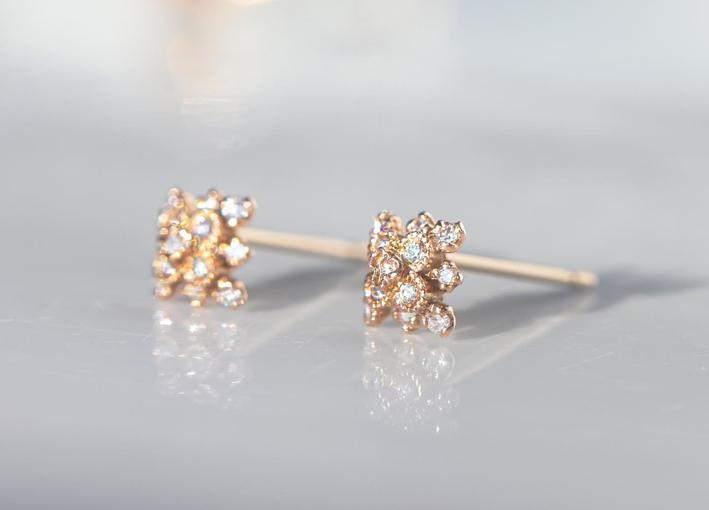 Orecchini in oro rosa con diamanti