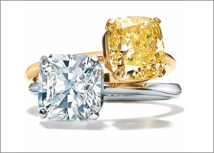 Anelli Tiffany True in platino e oro, diamanti bianchi e gialli