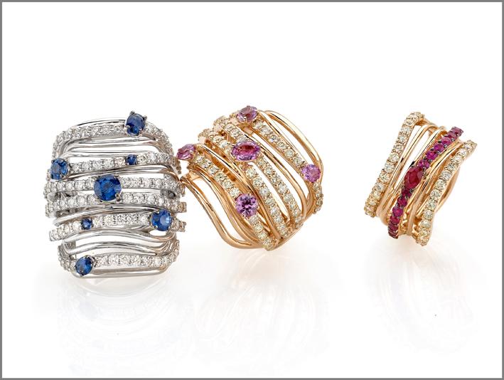 Collezione Armonie, anello oro bianco, diamanti, zaffiri blu. Anello oro rosa, diamanti, zaffiri rosa. Anello oro rosa, diamanti, rubini