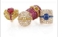 Anelli della collezione Contrasti in oro rosa, diamanti fancy, rubini, zaffiri blu