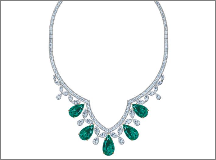 Collana ispirata alla Cattedrale di San Patrizio, con diamanti bianchi e smeraldi