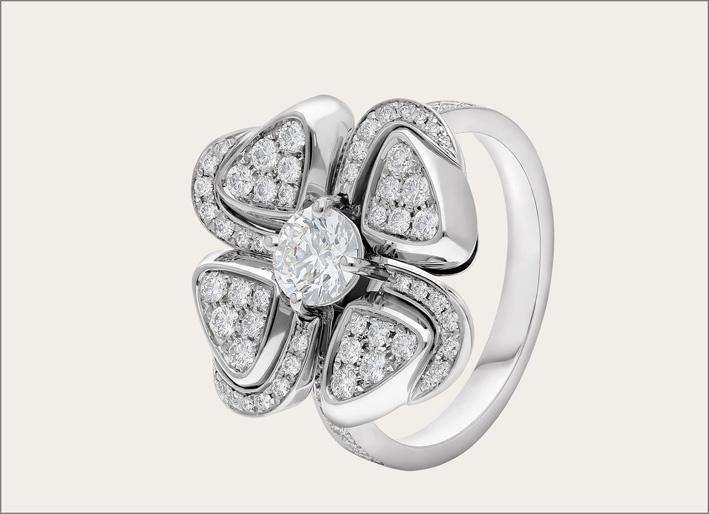 Anello della collezione Fiorever