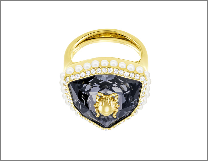 Swarovski, Magnetic ring
