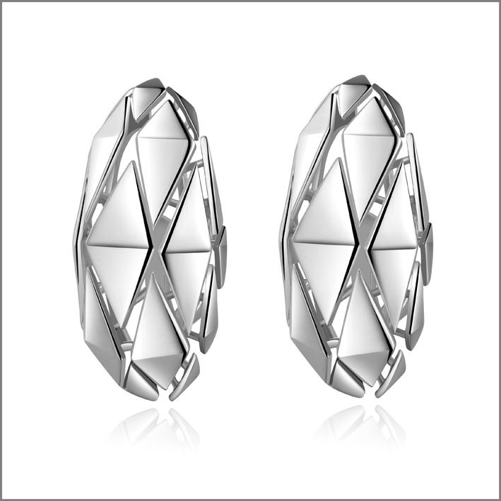 Pianegonda, orecchini in argento della collezione Planus