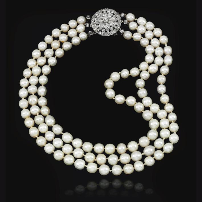 Collana con perle che erano originariamente infilate in una lunga collana a tre fili e appartenenti alla regina Maria Antonietta
