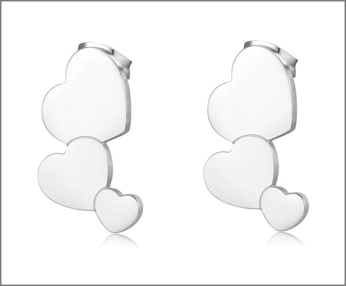 Orecchini con cuori in acciaio bianco