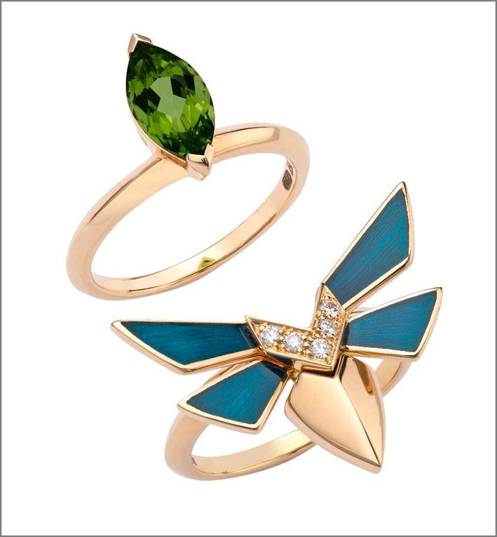 Set in oro giallo 18 carati, con tormalina verde taglio marquise, smalto turchese e pavé di diamanti bianchi