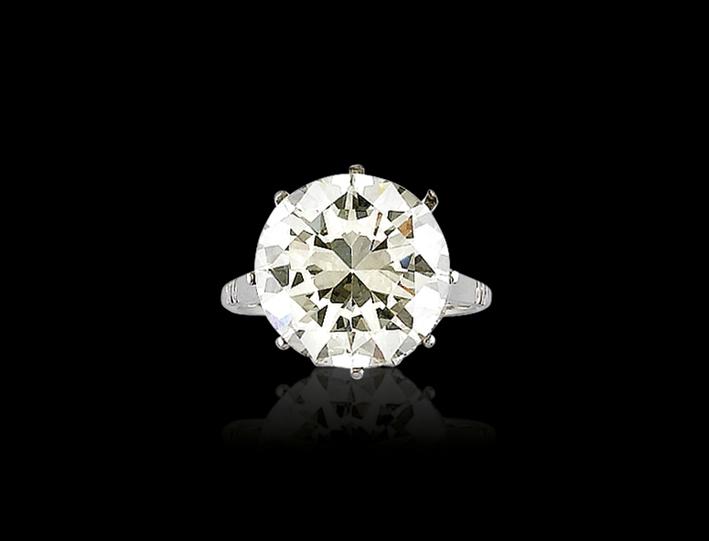 Anello con diamante di 7,62 carati