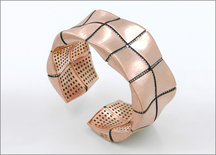 Garavelli, Little Chaos collection, rose gold and diamonds cuff