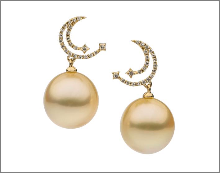 Orecchini con perle dorate