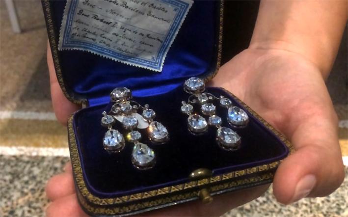 Orecchini con diamanti precedentemente nella collezione di Marie-Thérèse de Savoie, Duchessa di Parma