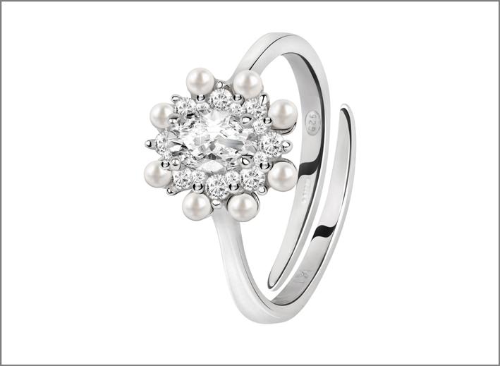 Bluespirit, anello in argento della collezione Versailles