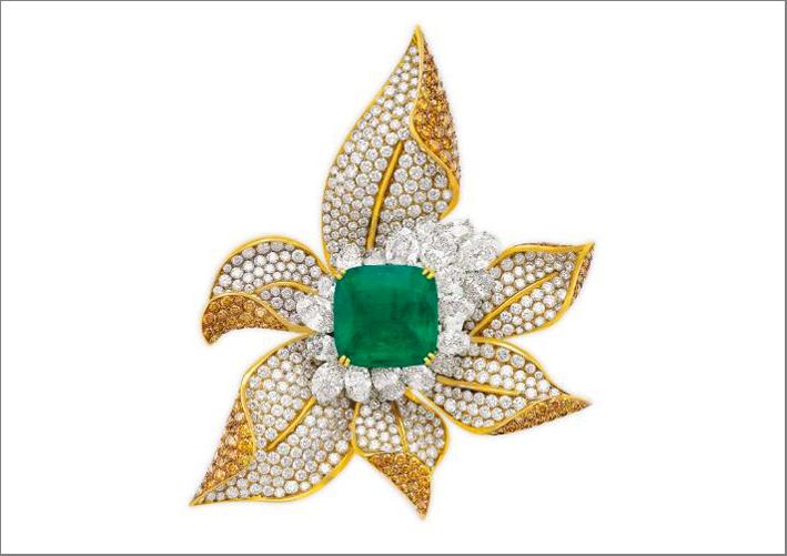 Spilla di Fred con smeraldo colombiano e diamanti