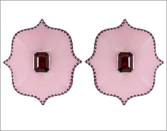 Orecchini in ceramica con rubini