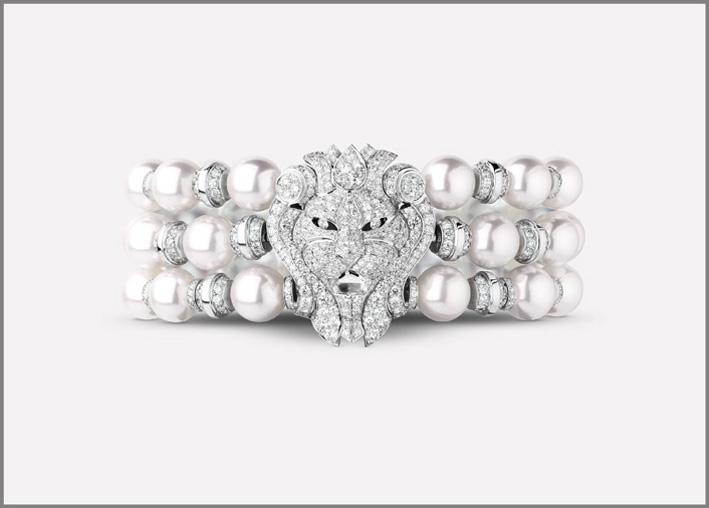 Bracciale con leone in oro bianco, diamanti e perle coltivate