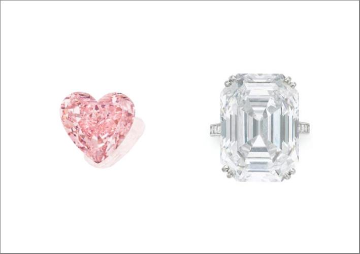 A sinistra diamante rosa taglio a cuore di 15,56 carati. A destra, anello con diamante incolore di 28,70 carati