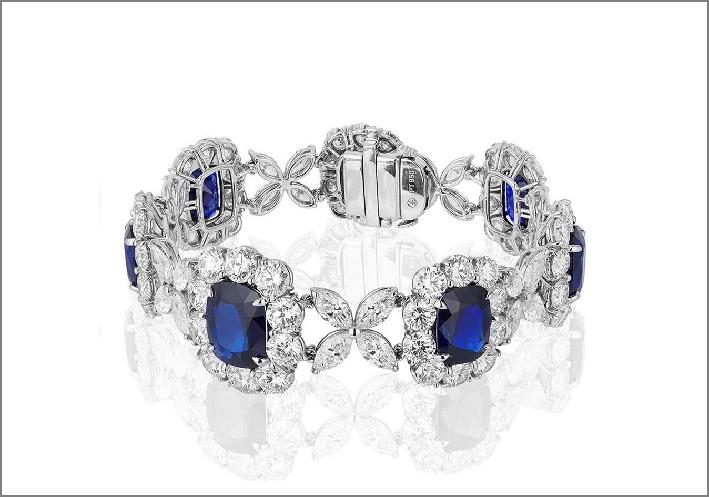 Bracciale in oro bianco, diamanti e sette zaffiri