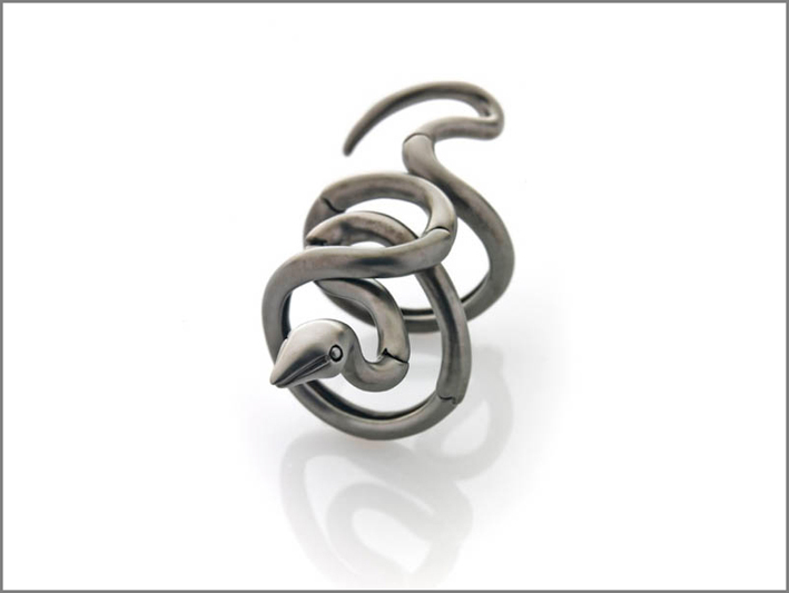 Anello serpente in oro rodiato