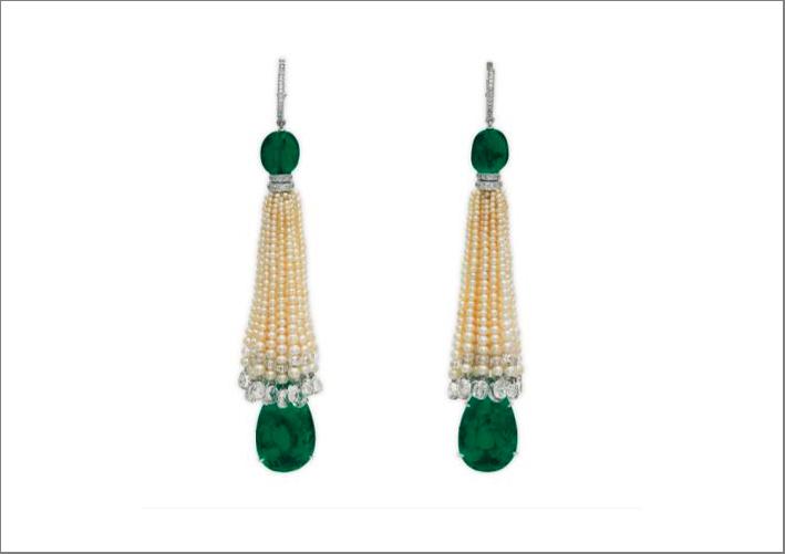 Orecchini con smeraldi colombiani, perle e diamanti di Bhagat