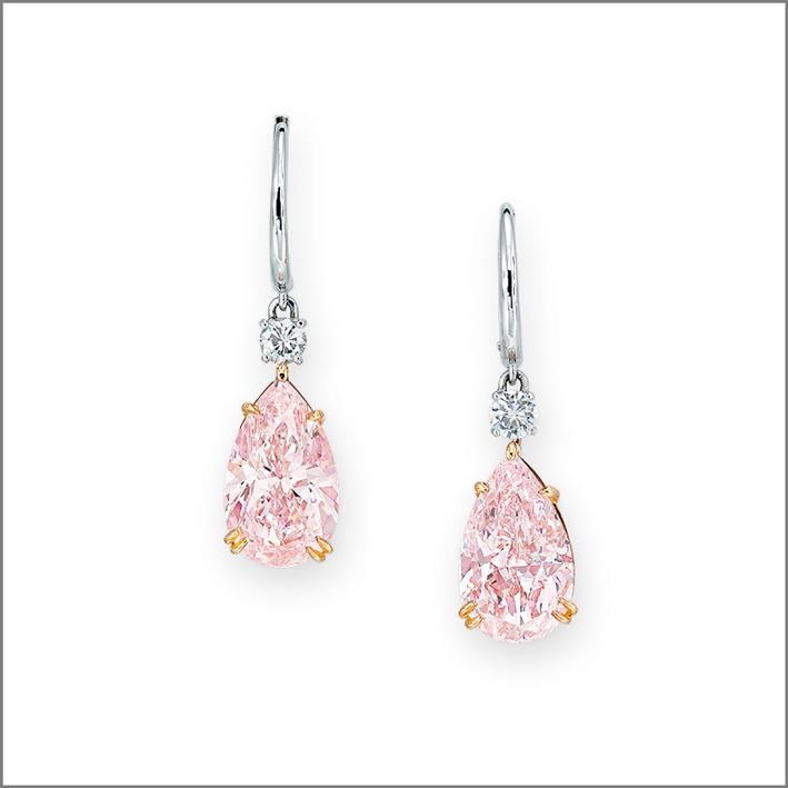 Orecchini con diamanti rosa a goccia
