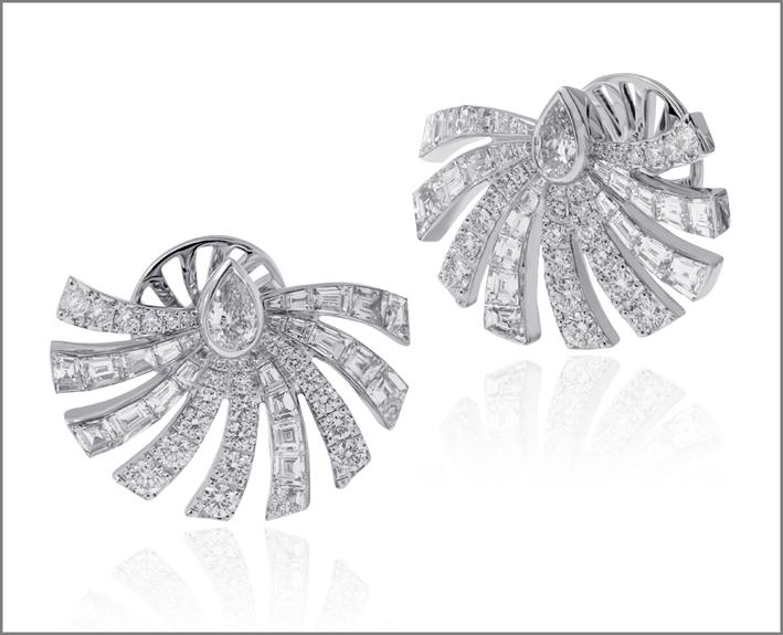 Orecchini con diamanti, collezione Persuasion