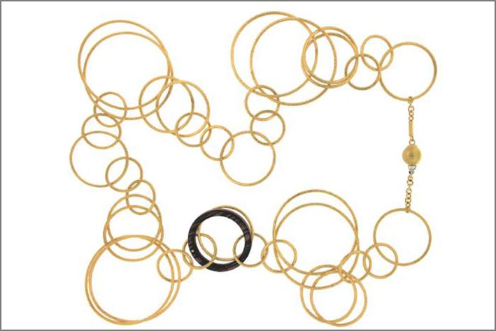 Vendorafa, collana in oro e legno