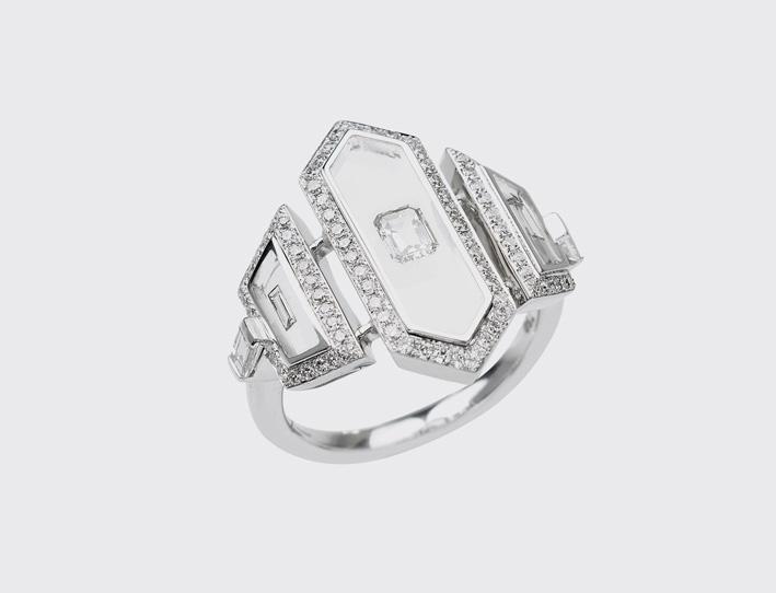 Nikos Koulis, anello in oro bianco con diamanti bianchi, smalto traslucido