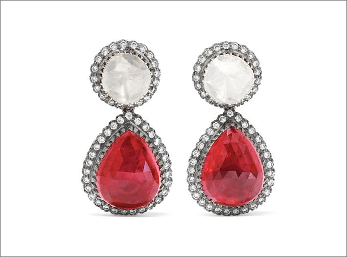 Orecchini in argento, diamanti e rubini