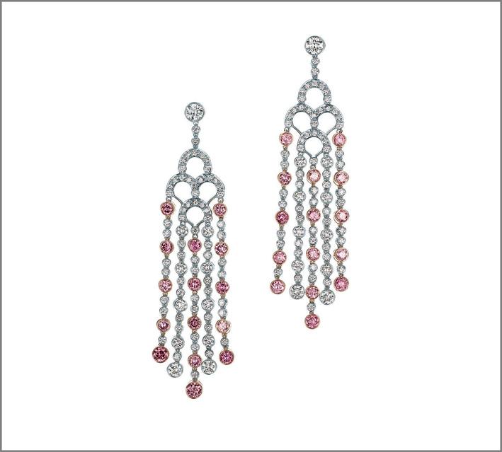 Tiffany, alta gioielleria. Orecchini chandelier in platino, oro rosa con diamanti bianchi e rosa