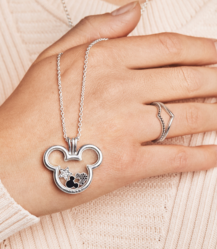 Collana e anello con Mickey Mouse