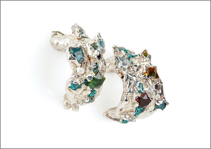 Orecchini in argento e pietre, a forma di stella