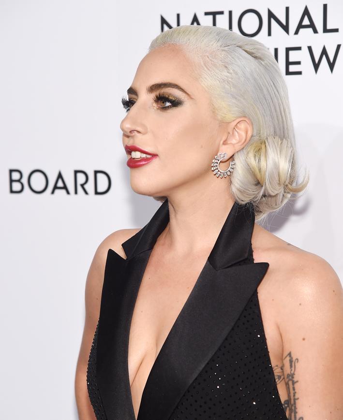 Lady Gaga con orecchini Messika