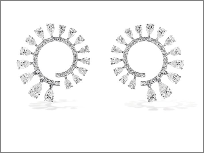 Mini Diamond Whirl earrings  di Messika
