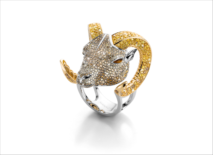 Anello Ariete in titanio, con pavé di diamanti colorati